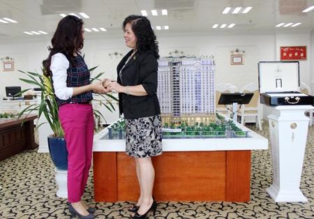 Bà Lê Thị Vinh – Phó Tổng Giám đốc Tập đoàn Tân Hoàng Minh