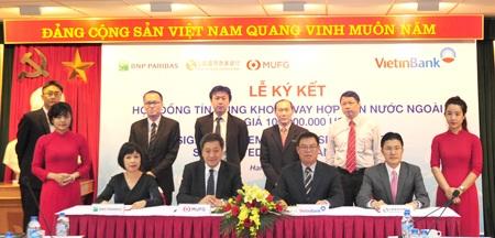 Đại diện các ngân hàng ký kết Hợp đồng vay hợp vốn nước ngoài trị giá 100 triệu USD