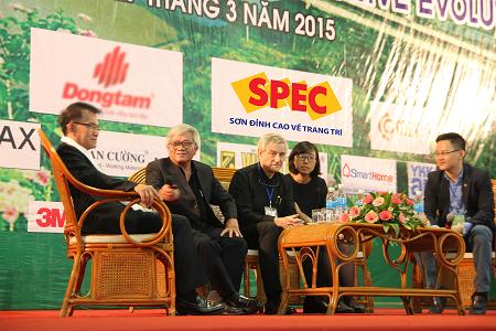 Các chuyên gia, kiến trúc sư giao lưu trong buổi lễ phát động giải thưởng
