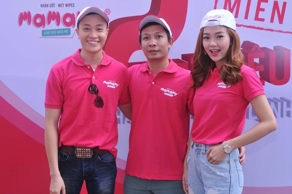 Ông Bùi Minh Tuấn (giữa)