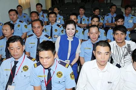 'Nữ hoàng ngành bảo vệ' được các nhân viên yêu quý, ngưỡng mộ