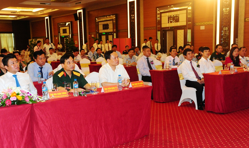 Các đại biểu tham dự lễ ký kết hợp đồng tín dụng