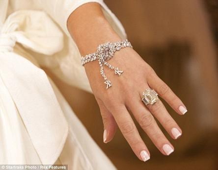 Những hình ảnh giờ mới công bố về đám cưới triệu đô của cô Kim - 3