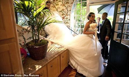 Những hình ảnh giờ mới công bố về đám cưới triệu đô của cô Kim - 4
