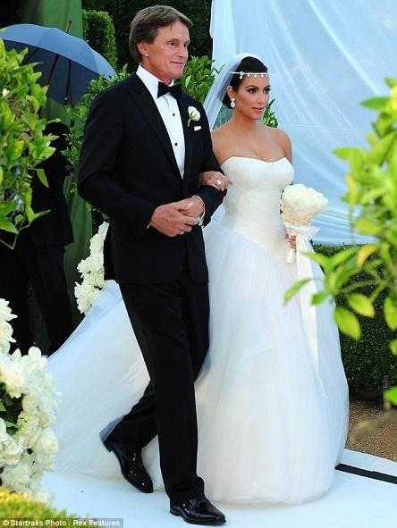 Những hình ảnh giờ mới công bố về đám cưới triệu đô của cô Kim - 5