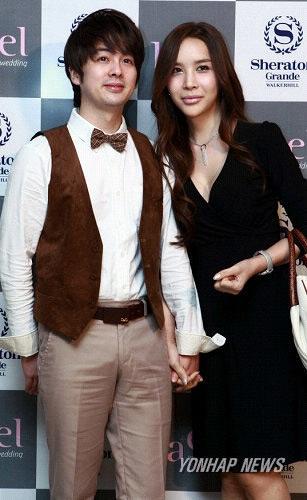 Người đẹp chuyển giới xứ Hàn phủ nhận bị chồng đánh - 2
