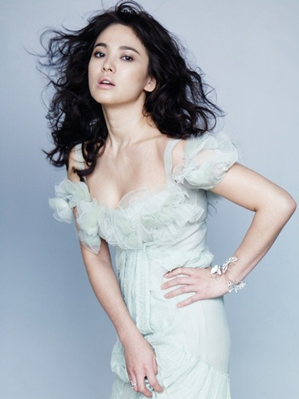 Song Hye Kyo: Tóc xoăn quyến rũ - 9