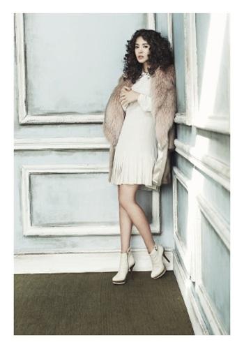 Song Hye Kyo: Tóc xoăn quyến rũ - 10