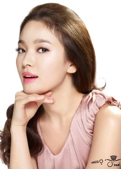 Song Hye Kyo: Tóc xoăn quyến rũ - 17