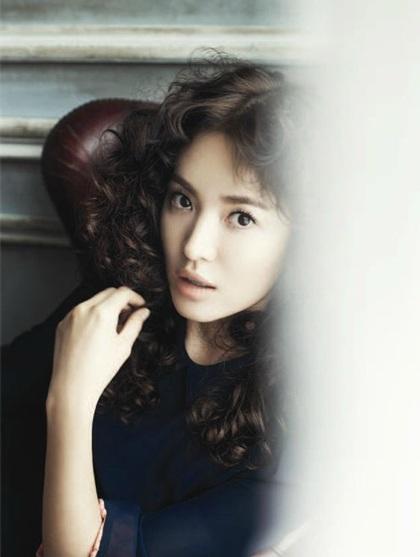 Song Hye Kyo: Tóc xoăn quyến rũ - 7