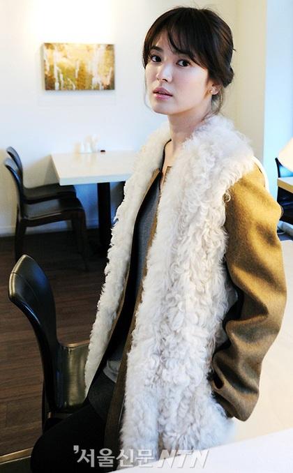 Song Hye Kyo: Tóc xoăn quyến rũ - 3