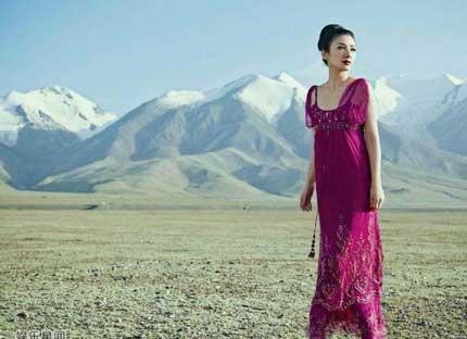 Lý Băng Băng và Huỳnh Dịch: Những bông hoa đẹp nở muộn của Hoa ngữ