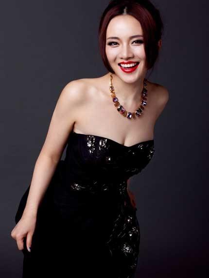 """Xôn xao với loạt ảnh """"nóng"""" của người mẫu Trung Quốc"""