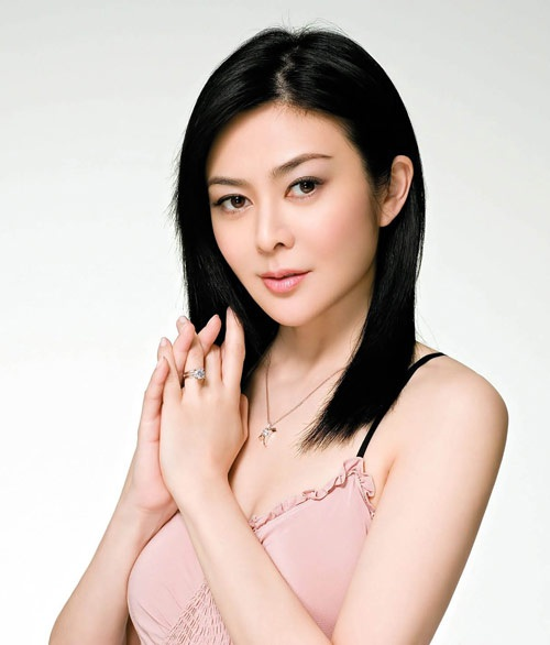 Ngôi sao U50 Quan Chi Lâm: Bông hoa đẹp tài sắc