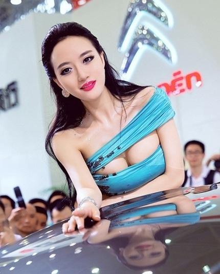"""Bóng hồng tiếp tục """"thiêu đốt"""" triển lãm ô tô Trung Quốc - 6"""