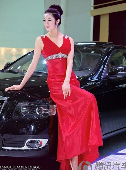 """Bóng hồng tiếp tục """"thiêu đốt"""" triển lãm ô tô Trung Quốc - 15"""