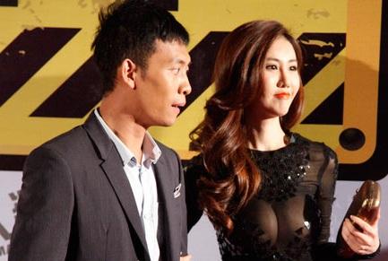 Dương Minh đang là người mẫu ảnh cho khá nhiều tạp chí của Trung Quốc.