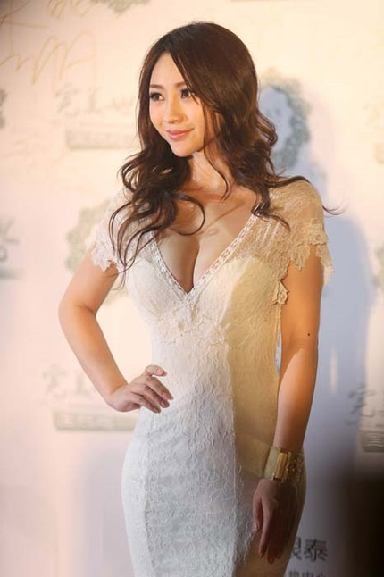 Liễu Nham được xem là biểu tượng sex mới của làng giải trí Trung Quốc.