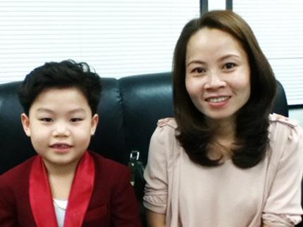 Hwang Min Woo và người mẹ người Việt Nam.