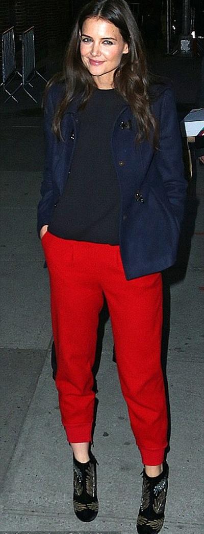 Katie Holmes không chỉ là diễn viên mà còn có một dòng sản phẩm thời trang riêng.