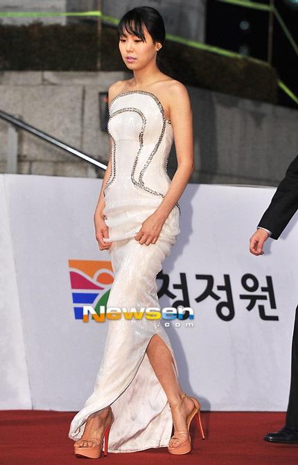 Nữ diễn viên xứ Hàn vừa dự LHP quốc tế Hà Nội 2012 - Kim Min Hee