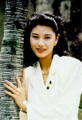 Năm 2000, Lý Gia Hân quyết định tạm rút lui khỏi làng giải trí, cô không còn tham gia đóng phim.