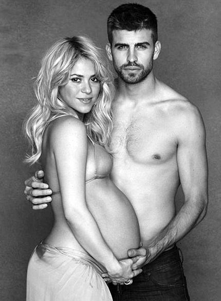 Shakira và Gerard Pique đã đón con đầu lòng vào tối qua 22/1, cậu bé được đặt tên là Milan.