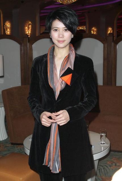 Và cựu Hoa hậu Hồng Kông Viên Vịnh Nghi.
