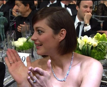 Nữ diễn viên người Pháp Marion Cotillard phản ứng khi biết về sự cố của Jennifer.