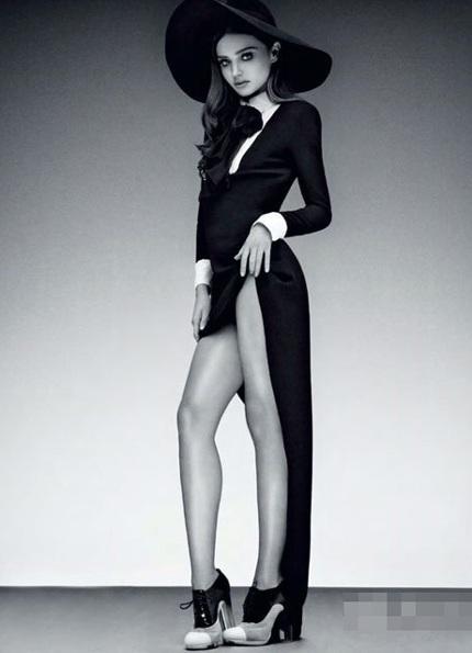 Đôi chân dài tuyệt đẹp của Miranda Kerr