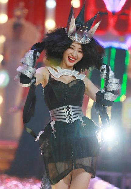 Liễu Nham ngày càng nổi tiếng, không một sự kiện nào của làng giải trí Hoa ngữ là cô vắng mặt.