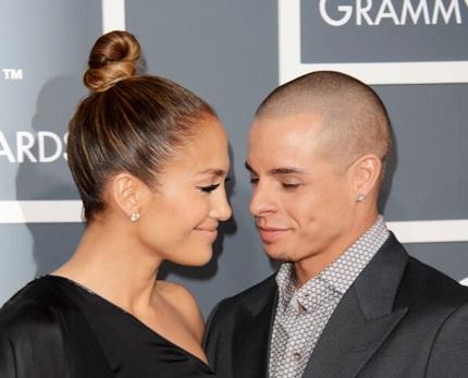 Jennifer Lopez đi dự lễ trao giải cùng chàng người yêu trẻ trung Casper Smart
