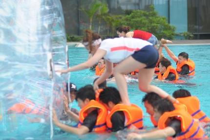 Các cô gái của T-ara đã thi đấu rất sôi nổi và hào hứng