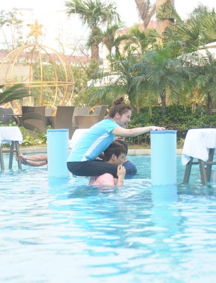 ...cùng Jia của nhóm MissA cũng đã có những buổi ghi hình hiệu quả tại Hà Nội.
