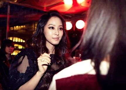 Bữa tiệc còn có sự tham gia của nữ diễn viên Han Ye Seul