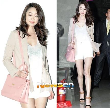Nữ diễn viên Choi Yeo Jin khoe chân dài miên man.