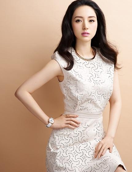 Đã ngoài 30 tuổi nhưng Đổng Tuyền cũng hoãn kế hoạch sinh em bé để tập trung cho sự nghiệp.