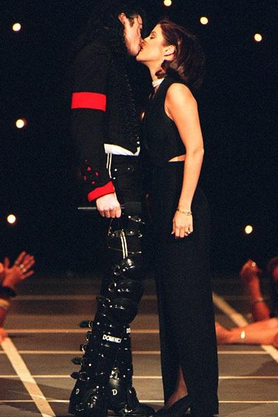 Michael và Lisa chỉ chung sống với nhau 2 năm.