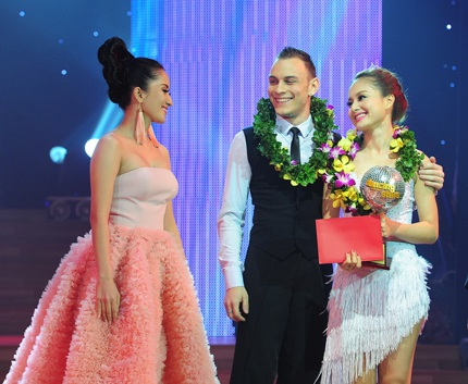Lan Phương giành cúp đồng trong đêm chung kết.