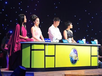 Bốn giám khảo của đêm chung kết