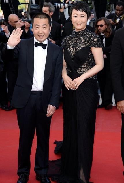 Đạo diễn người Trung Quốc Jia Zhangke (trái) giành giải Kịch bản hay nhất với bộ phim