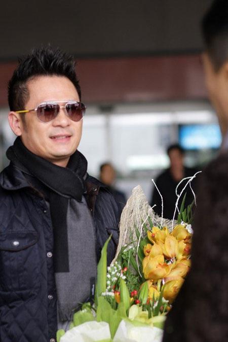Người thân của Bằng Kiều tại Việt Nam cũng ngỡ ngàng trước tin anh chia tay vợ.