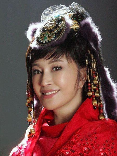 Ngôi sao U60 Lưu Hiểu Khánh lại vào vai gái đôi mươi