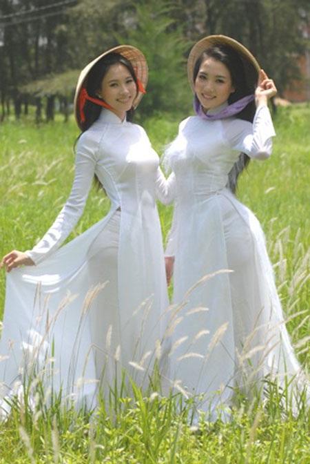 Với Hoa hậu Đặng Thu Thảo hồi thi Hoa khôi đồng bằng sông Cửu Long năm 2012