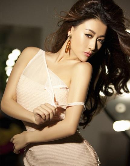 Album mới của Sun Jingyuan vẫn trung thành với thể loại nhạc dance sôi động