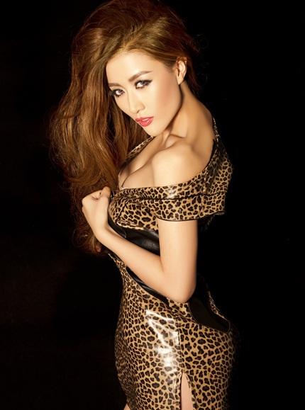 Sun Jingyuan còn xuất hiện trên hầu hết các trang báo của Trung Quốc trong tháng tới.