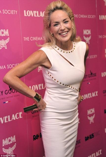 Sharon Stone tham dự một sự kiện ngày 30/7