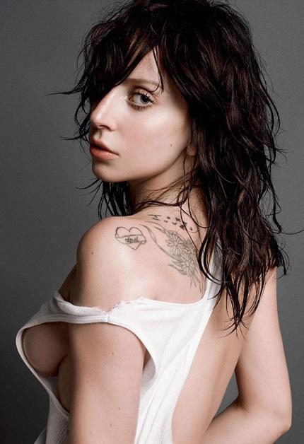 Lady Gaga tiết lộ, cô sút gần 10kg so với một năm trước.