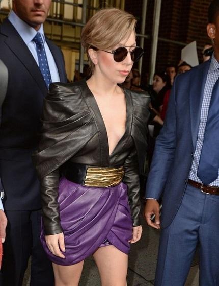 Lady Gaga tới trò chuyện với khán giả hâm mộ trong chương trình