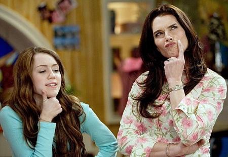Nữ diễn viên Brooke Shields - bạn diễn của Miley trong bộ phim